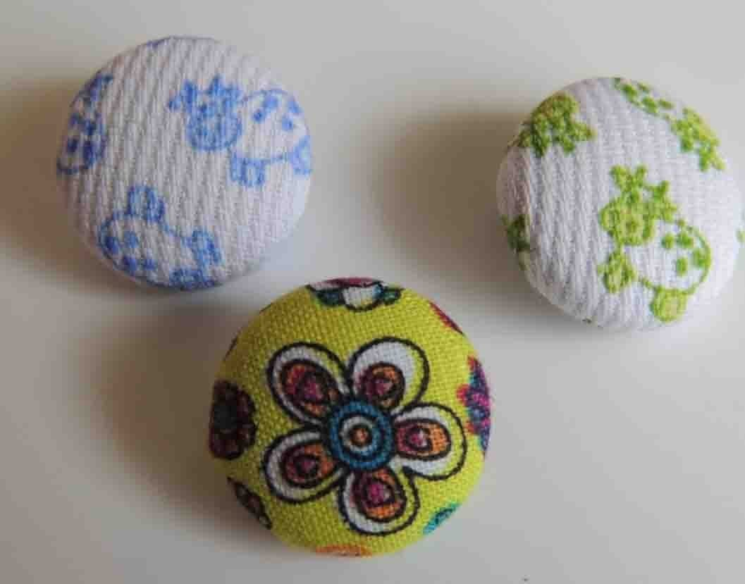 Tutorial Como forrar botones de tela. How to make fabric buttons.