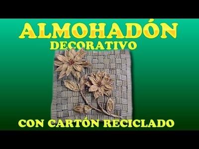 ALMOHADÓN DECORATIVO CON CARTÓN