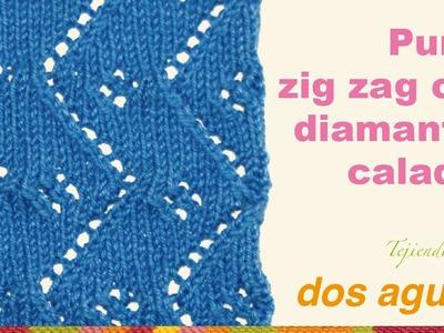 Punto zigzag con diamantes calados tejido en dos agujas o palitos