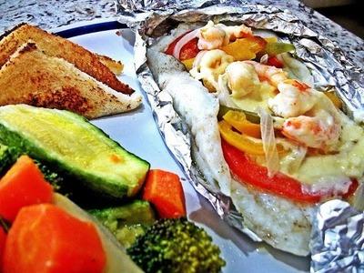 Pescado Empapelado con Camarones, Queso y Vegetales