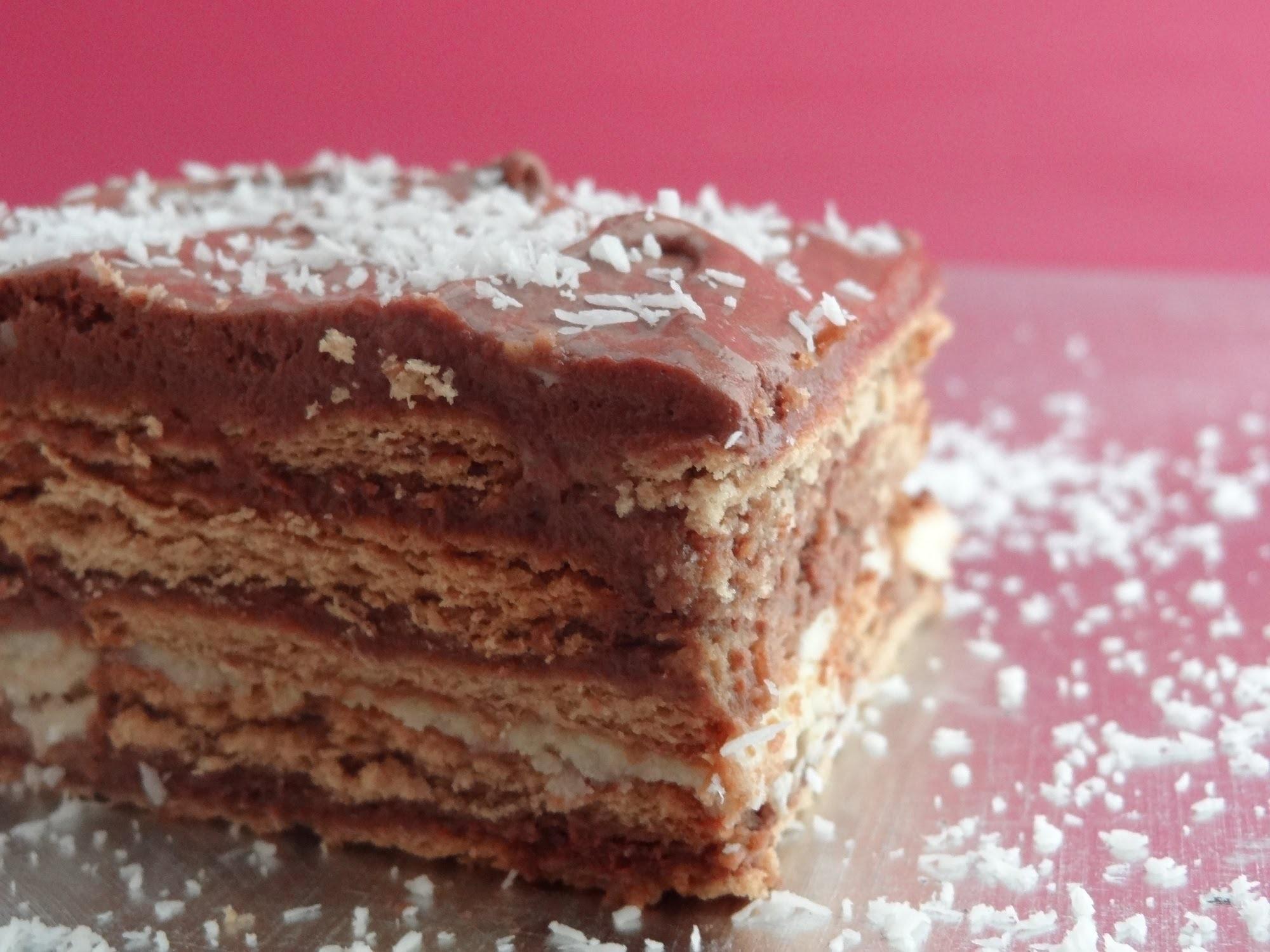 Tarta de galletas con chocolate. Tarta de la abuela -- Ideal para cumpleaños infantiles