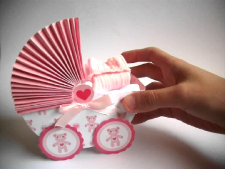 Tarjeta de bienvenida y carro bebé hecho con papel scrapbook