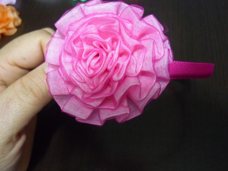 Como hacer flores en cinta churca o de pliegeues para accesorios del cabello  No.107