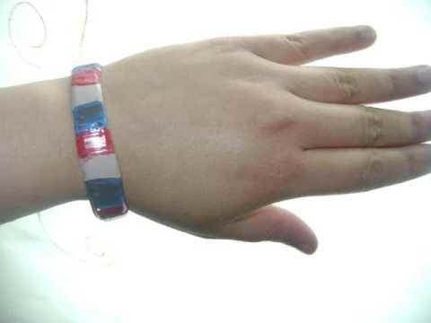 Como hacer  una pulsera con una botella plastica reciclada