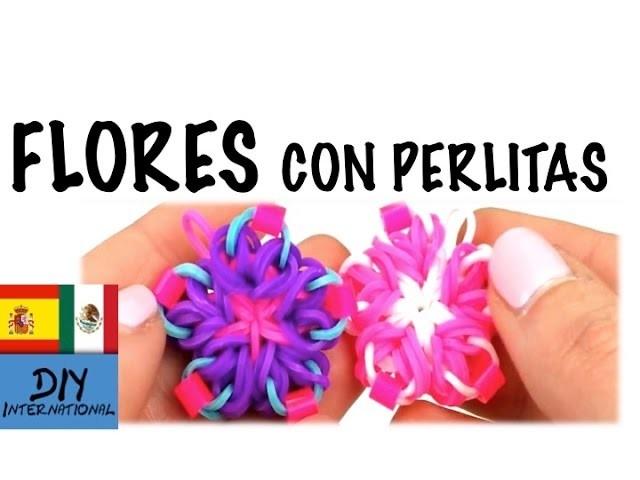 FLORES CON GOMITAS DE CINCO PÉTALOS CON PERLAS - FLOWER RAINBOW LOOM - TUTORIAL EN ESPAÑOL - DIY