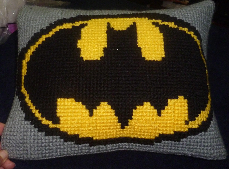 Batman Cushion Knitting Pattern : Almohada batman Crochet, punto de cruz, My Crafts and DIY Projects
