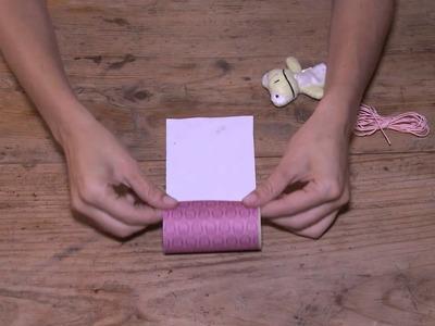 Tutorial paquete de regalo con un rollo de cartón.