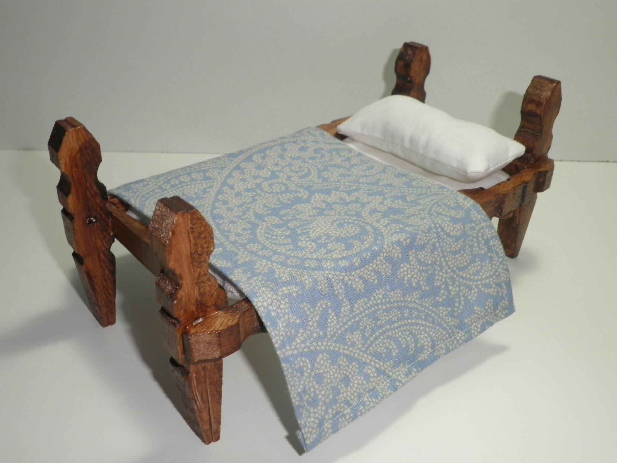 Tutorial para hacer una cama con pinzas de madera. tutorial to make a bed with wooden pegs