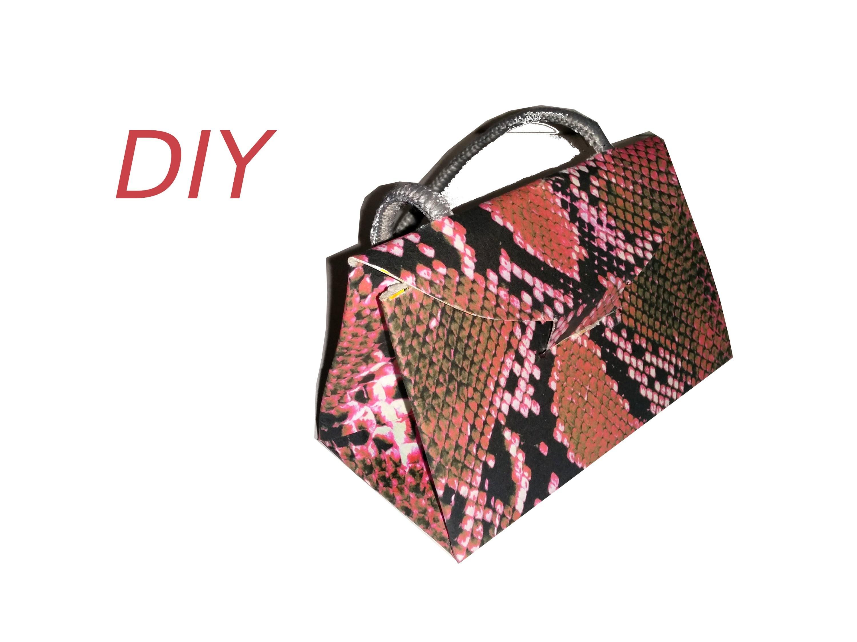 Bolso cartón, DIY, Reciclar caja de cereales, cartonaje. Cardboard handbag