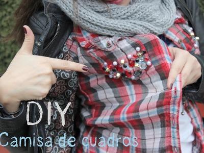 DIY Camisa de cuadros con tachuelas y abalorios