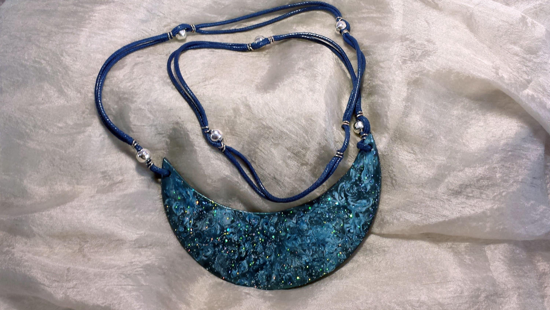 Cómo hacer un colgante para collar (1 de 2) | facilisimo.com