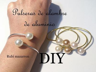 Diy  Brazaletes de moda con alambre de aluminio y perlas.Necklace
