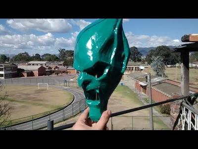 Como hacer mascaras en resina y fibra de vidrio ( duende verde)