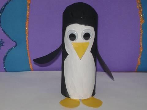 Como hacer un pinguino con tubo de papel higienico (Cara Blanca)