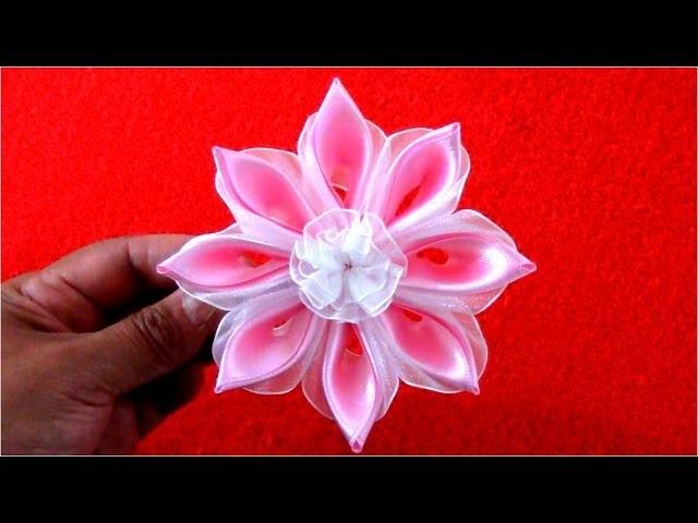Flores caladas en cintas de raso y organza para el cabello