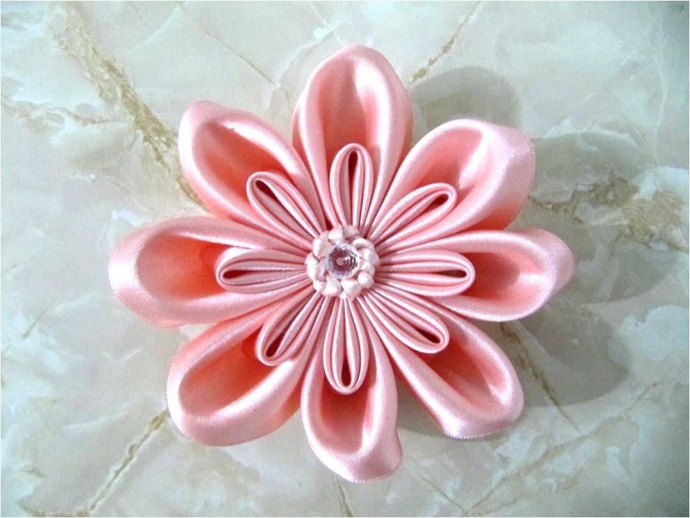 Moños  flor doble pétalos rellenos  en cintas para el cabello