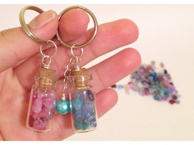 Como hacer llaveros con mini botellas\key holder with tiny bottles