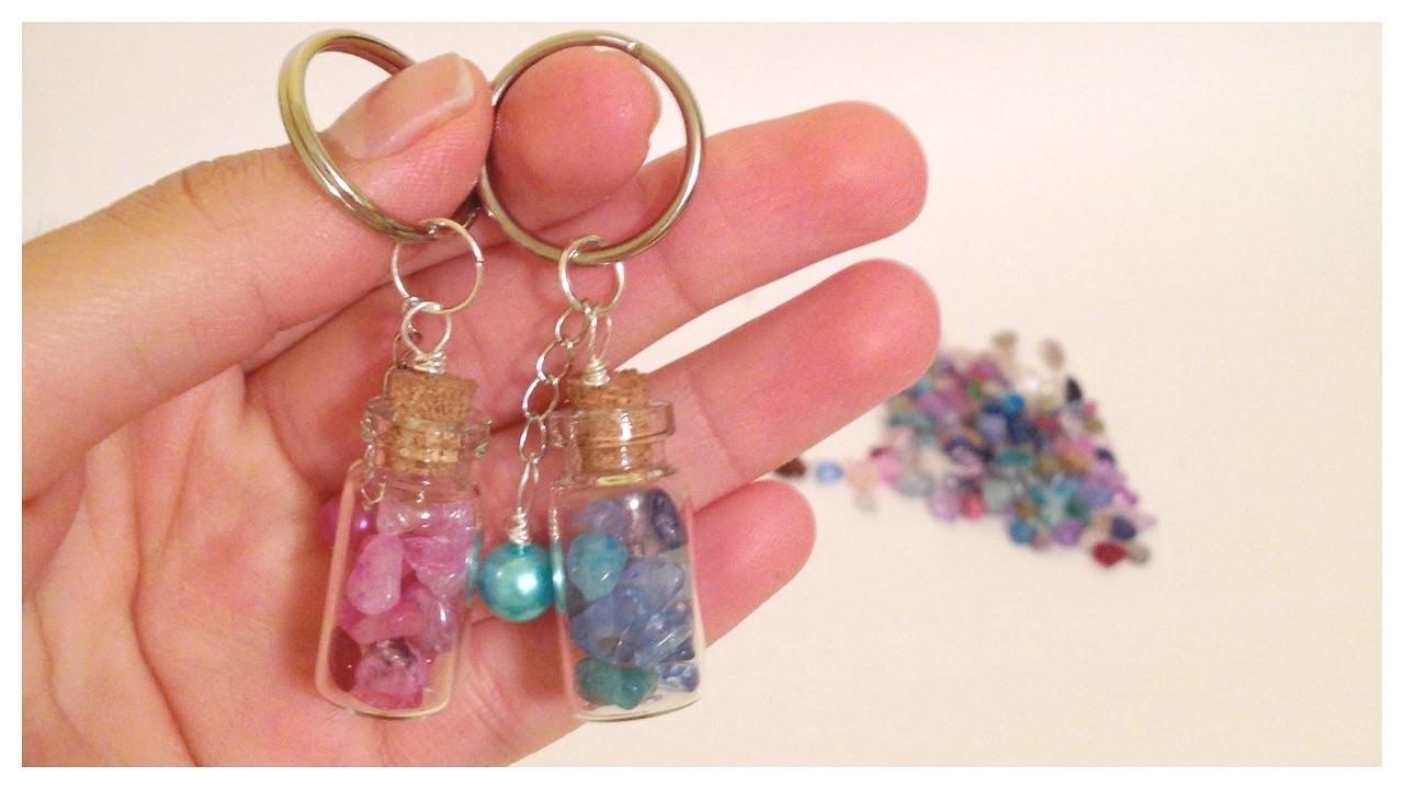 Como hacer llaveros con mini botellas\key holder with tiny bottles