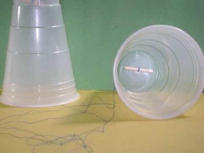 Cómo hacer un teléfono con vasos plasticos