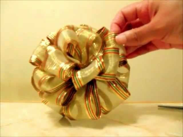 Manualidades  Navideñas  moño pon pon de 4 capas en cintas