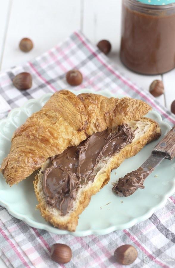 Nutella casera o crema de chocolate y avellana para untar