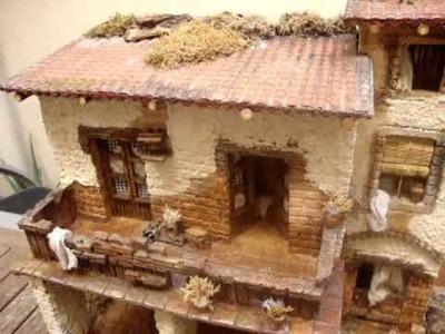 1107 - Pesebre tipo casa  para figuras de 10-12 cm
