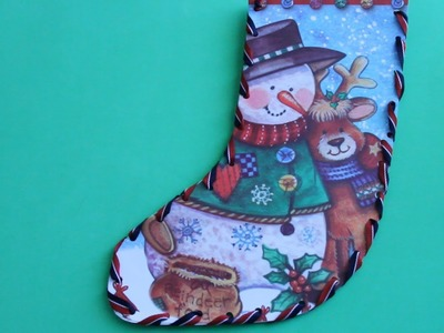 Hacer una bota navideña con material reciclable