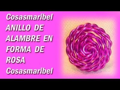 Anillos-sortija de alambre en forma de rosa.