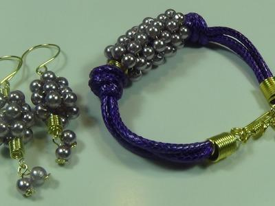 Pulsera con cuero y perlas color violeta