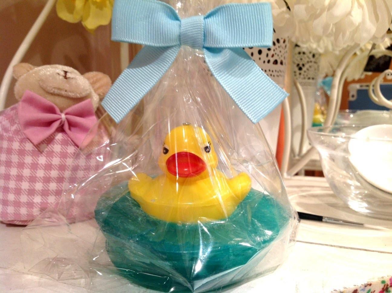 Cómo hacer un jabón con patito. How to make a duck soap