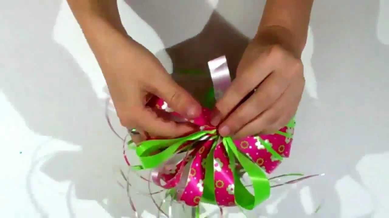 Como hacer un moño para un regalo de enamorados.facil-rapido.How to make a bow for a gift of love