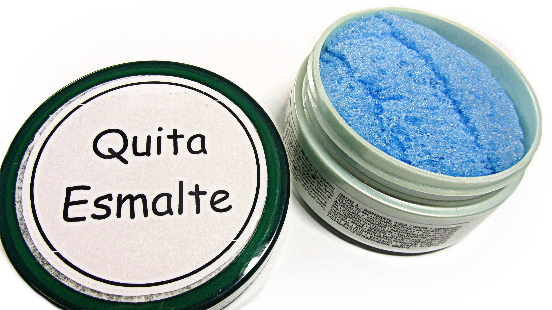Cómo hacer un quita esmalte fácil. Easy nail polish remover.