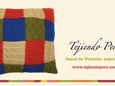 Almohadón tejido en dos agujas (en varios puntos y colores)