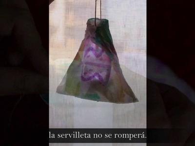 Manualidades: farolillos o lamparas de leds con bolsa plástico y servilleta de papel