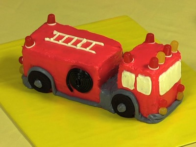 Cómo hacer un pastel con forma de carro de bombero