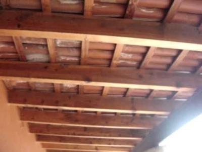 Económica y Agradable Cubierta para tu Casa con Vigas de Madera y Teja.Orientada hacia el Sur.
