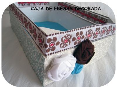 Manualidad. Caja  de fresas decorada