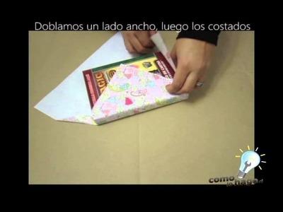 Cómo envolver un regalo con poco papel