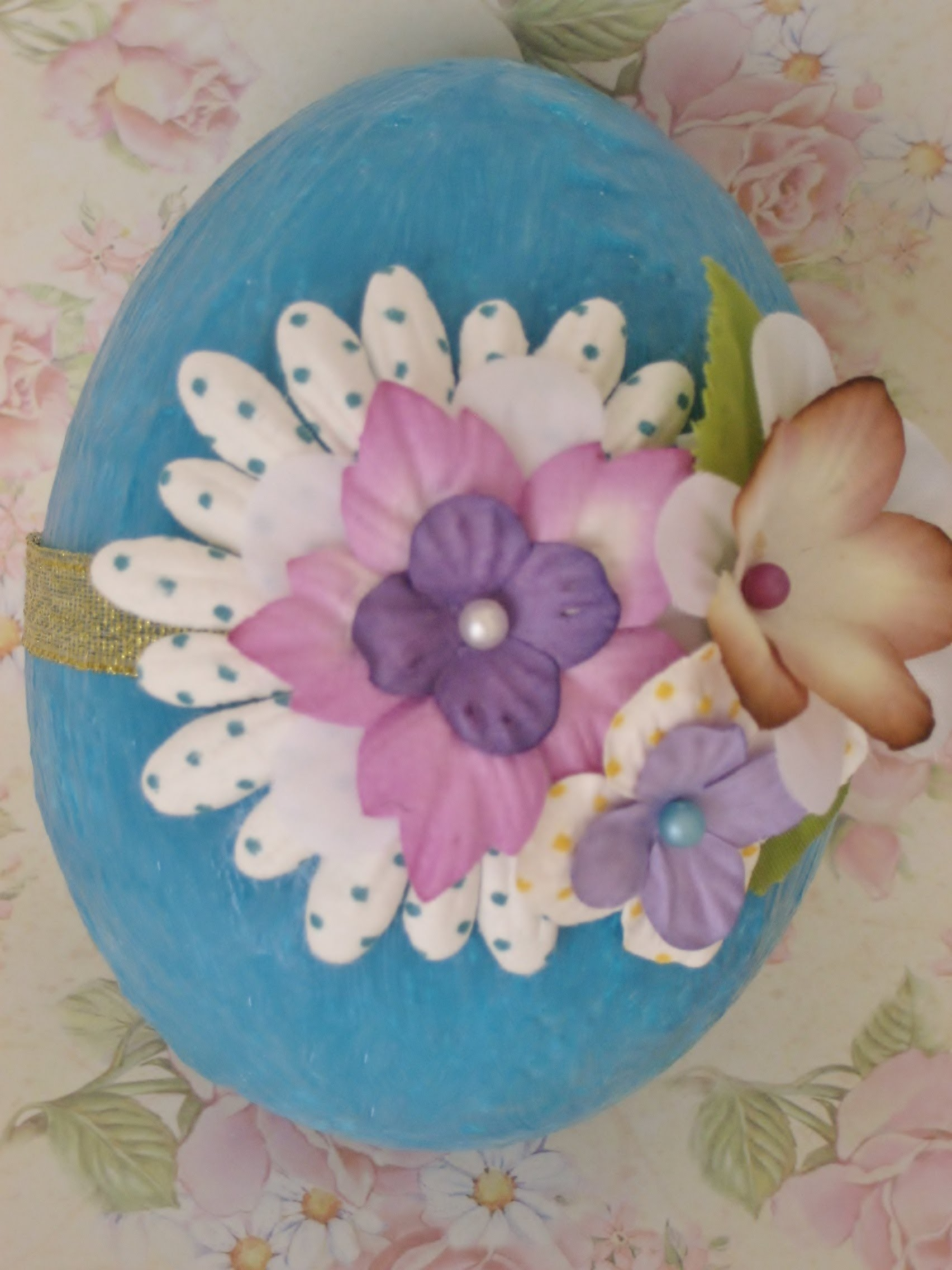 DIY Huevo de Pascua de poliespan. Styrofoam Easter egg