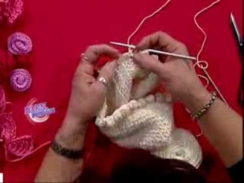 Mónica Astudillo - Bienvenidas TV - Teje un gorro con flor.