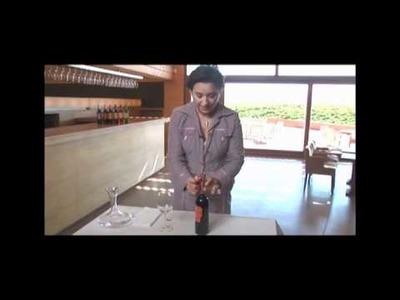 ¿Cómo guardar y servir un buen vino?
