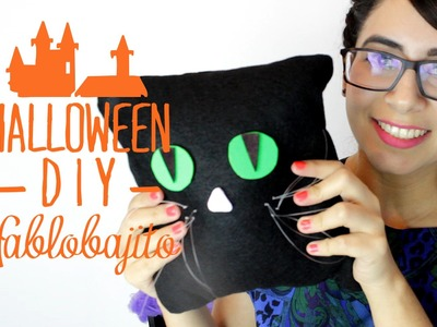 Almohada o cojín con forma de gato. Ideas para Halloween - Hablobajito