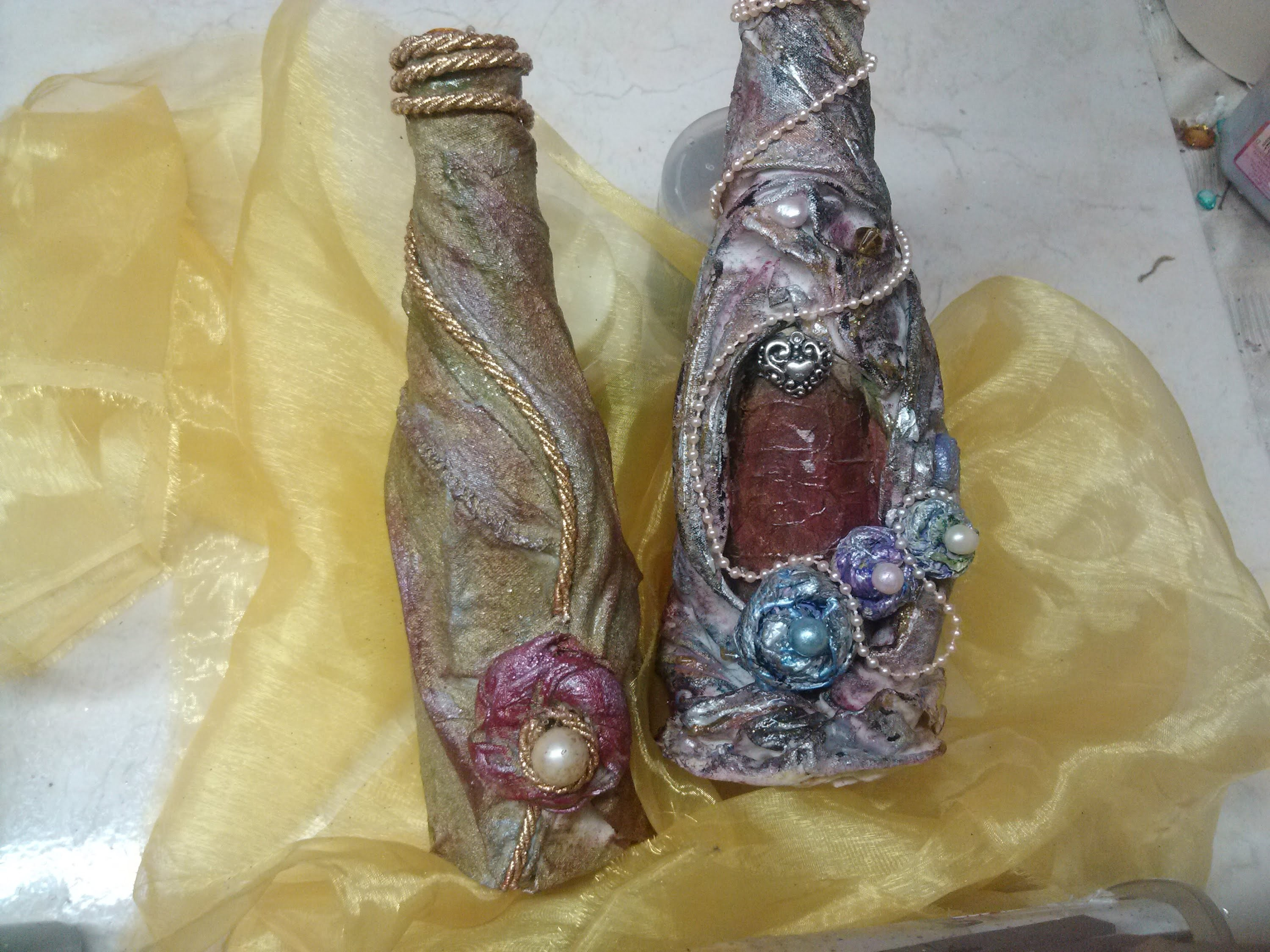 DIY Decorando botellas de vidrio. Glass bottles decorated