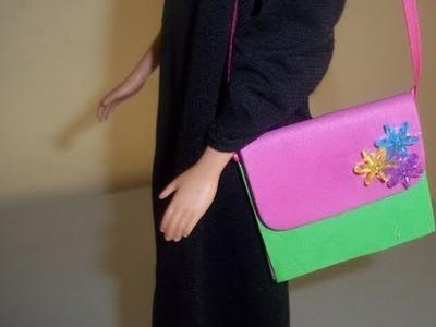 Manualidades para muñecas: Cómo hacer una cartera o bolsa para muñecas