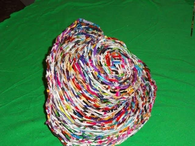 Sombrero con hojas de revista (VAQUERO) .hat