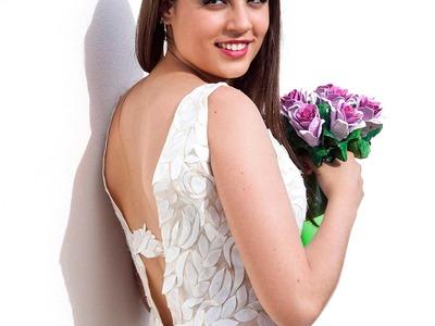Vestido de novia con vasos de plástico desechables reciclados recicladocreativo
