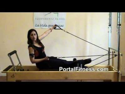Ejercicios de Pilates: Trabajo de abdominales con bíceps y brazos