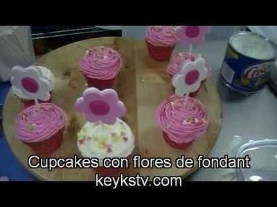 Cómo  decorar cupcakes con flores de fondant