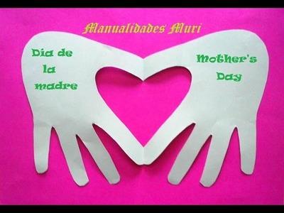 Manualidades. Tarjeta hecha con la mano, especial Día de la Madre