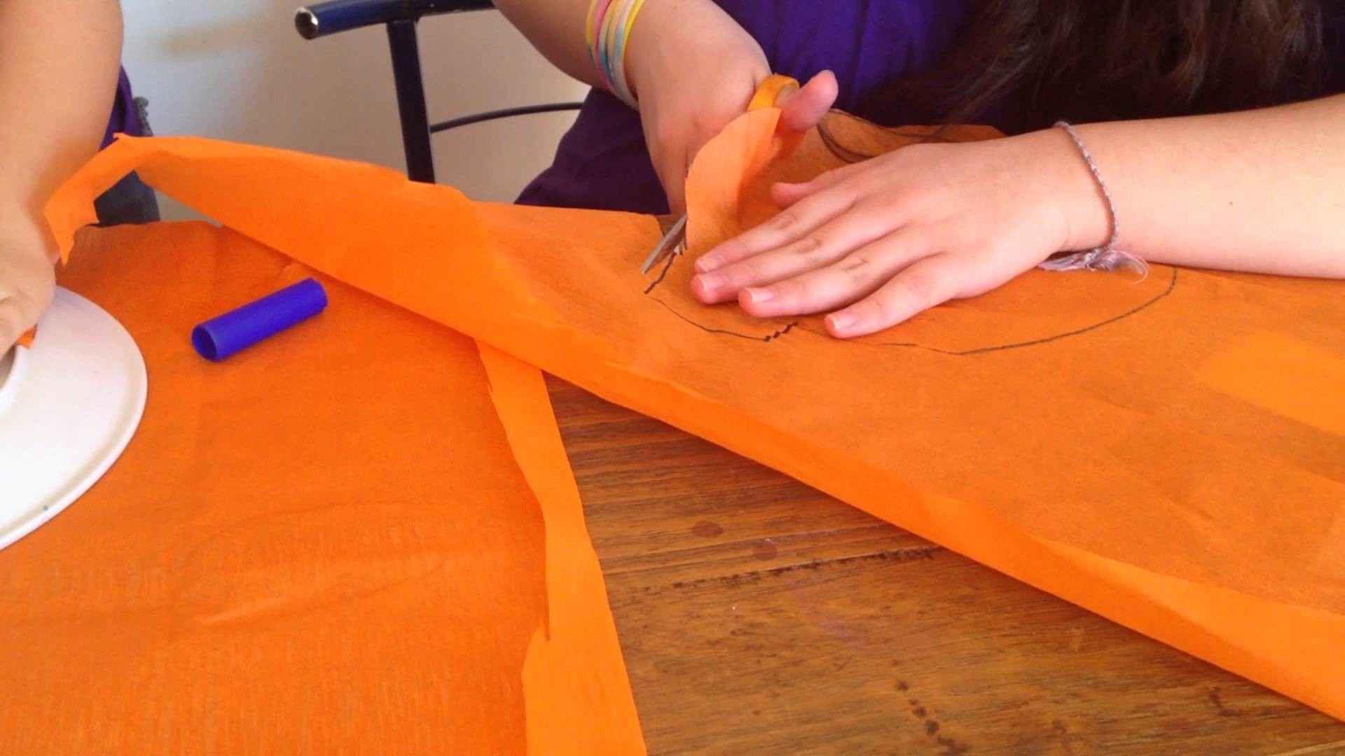Manualidades para niños. Calabazas de Halloween con mandarinas - LaiaLand y sus tiitas (capítulo 2)
